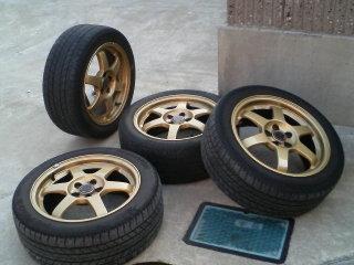 Subaru_rays_te37_gold